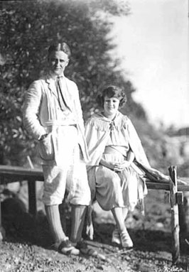 F_Scott_Fitzgerald_and_wife_Zelda_September_1921